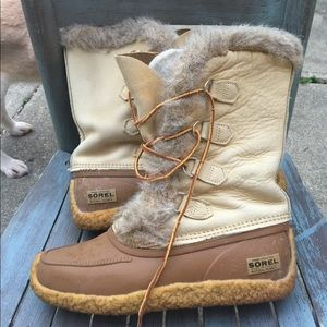 Women's Vintage Sorel Tall Fur Lined Boots Size 9M